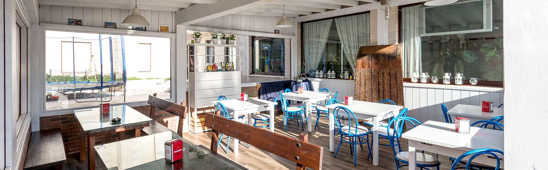 Hotel Bemon Playa - Edit_Bar.jpg