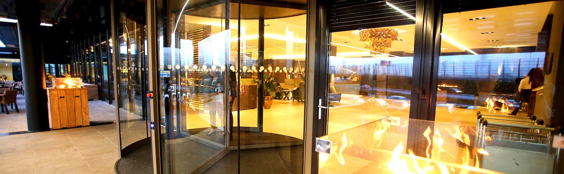 Van der Valk Hotel Oostzaan - Amsterdam - Edit_entrance.jpg