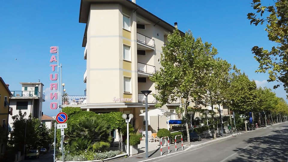 Hotel Saturno - EDIT_front2.jpg