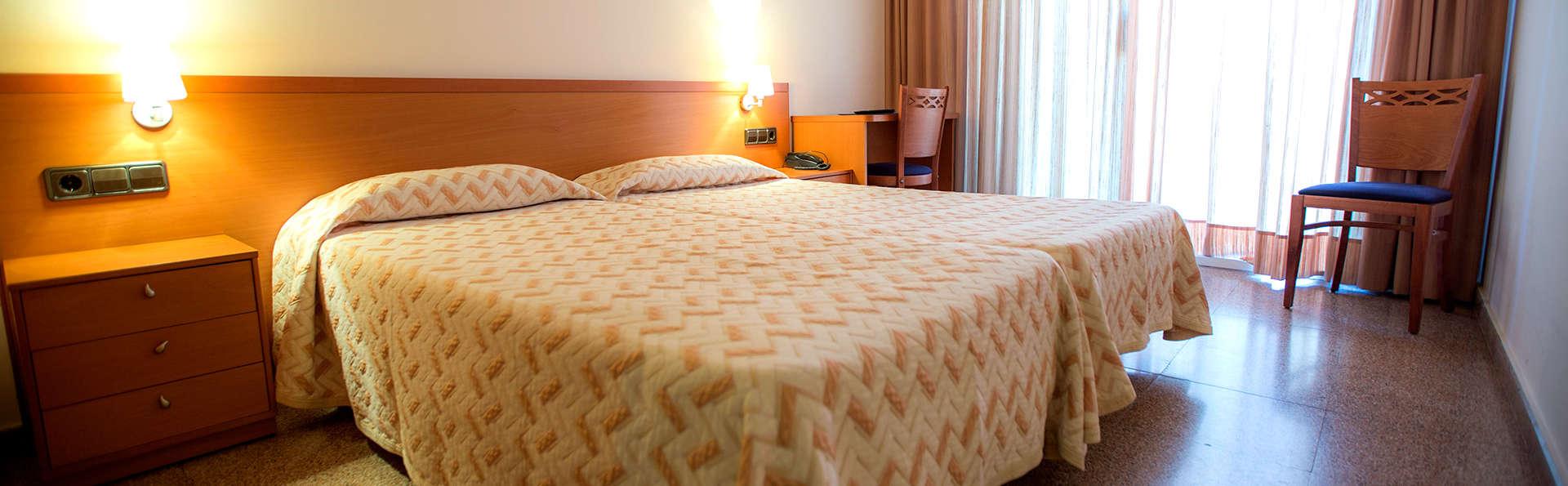 Hotel Medes II - Edit_Room.jpg