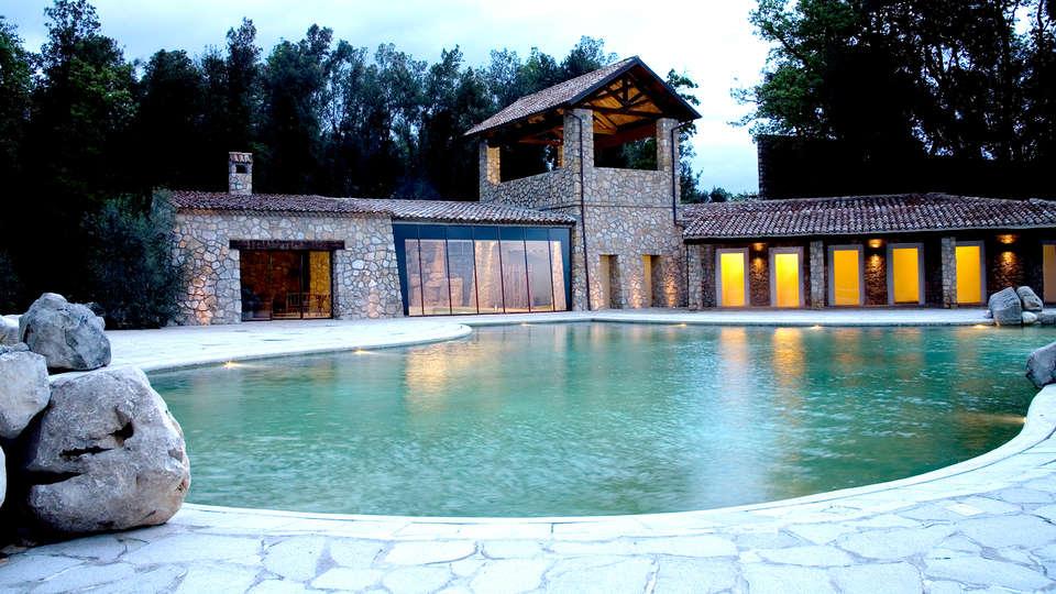 Aquapetra Resort & Spa - Edit_Front2.jpg