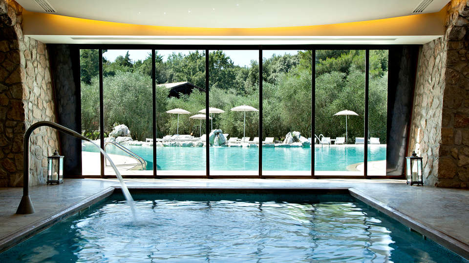 Aquapetra Resort & Spa - Edit_Pool4.jpg