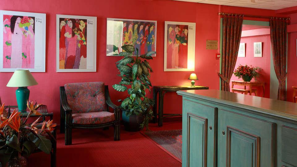 Hôtel de la Paix Lille - edit_reception.jpg