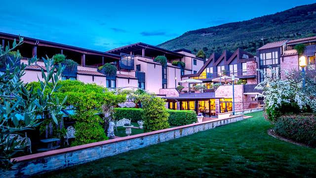 Notte magica sulla valle di Assisi