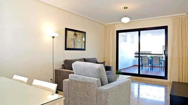 Apartamento de lujo con vistas al mar en Estepona