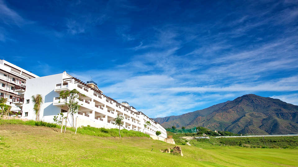 Ona Valle Romano Golf & Resort - Edit_Front4.jpg
