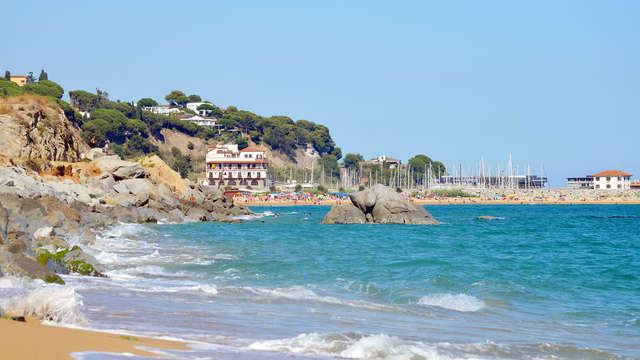 Fin de semana romántico con vistas al mar en la costa con cava y cena (desde 2 noches)