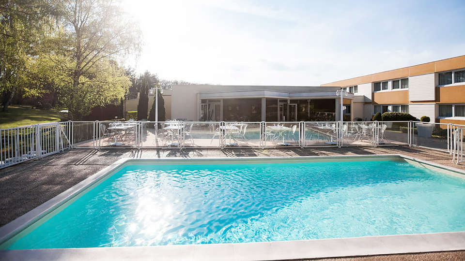 Novotel Saint Avold - Edit_Pool2.jpg