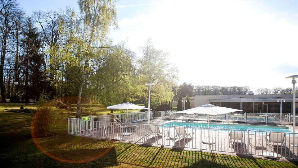 Novotel Saint Avold - Edit_Pool.jpg