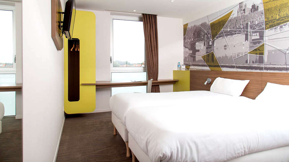 Brit Hôtel Toulouse Colomiers - Edit_Room2.jpg