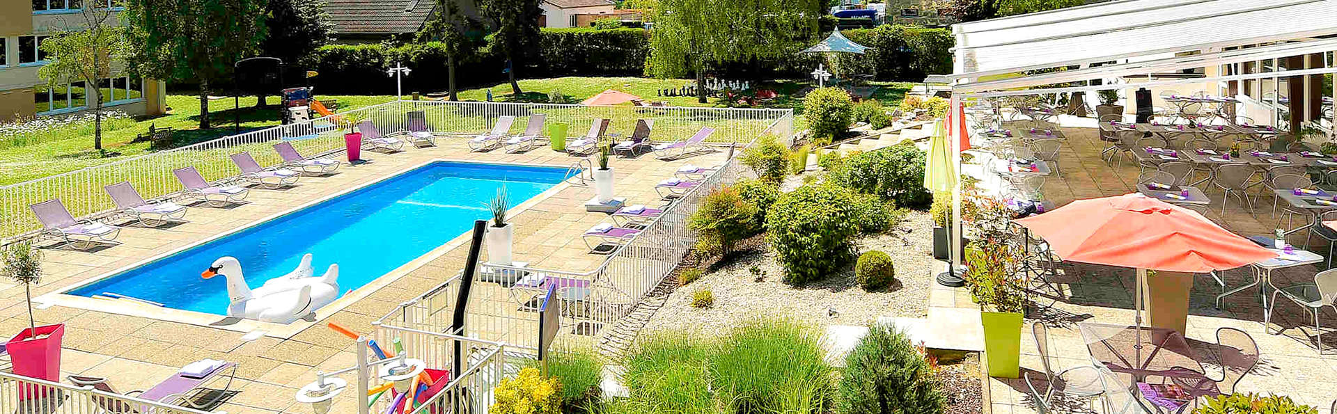 NOVOTEL DIJON ROUTE DES GRAND CRUS  - Edit_Pool2.jpg