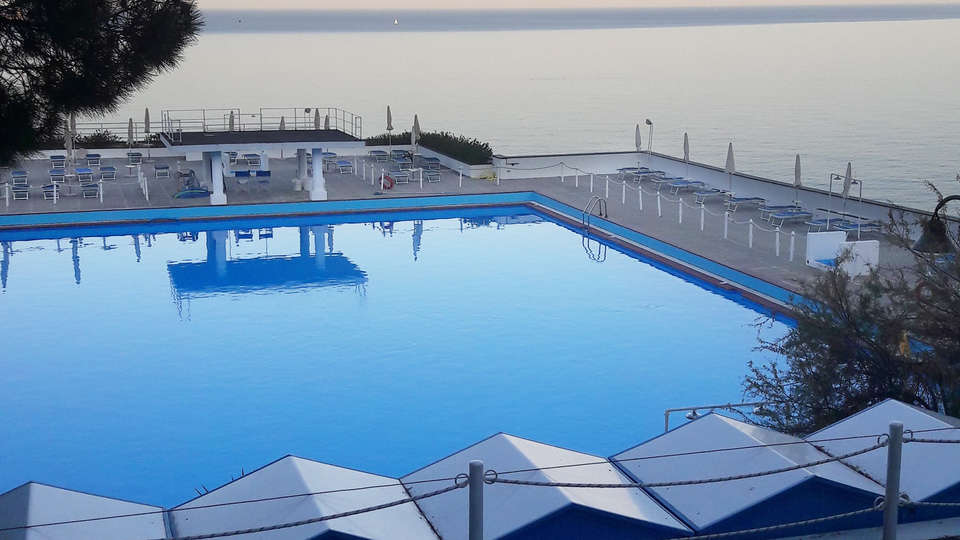 Hotel Punta San Martino - EDIT_NEW_pool.jpg