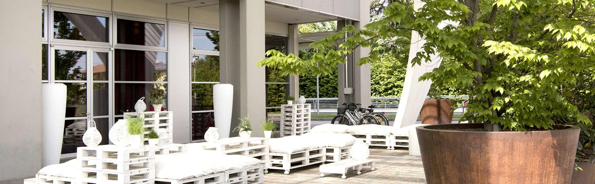 Best Western Premier BHR Treviso Hotel - Edit_Terrace.jpg
