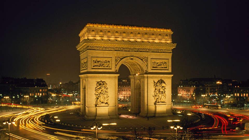 Hôtel Balmoral Champs-Elysées - edit_new_Arc-de-triomphe1.jpg