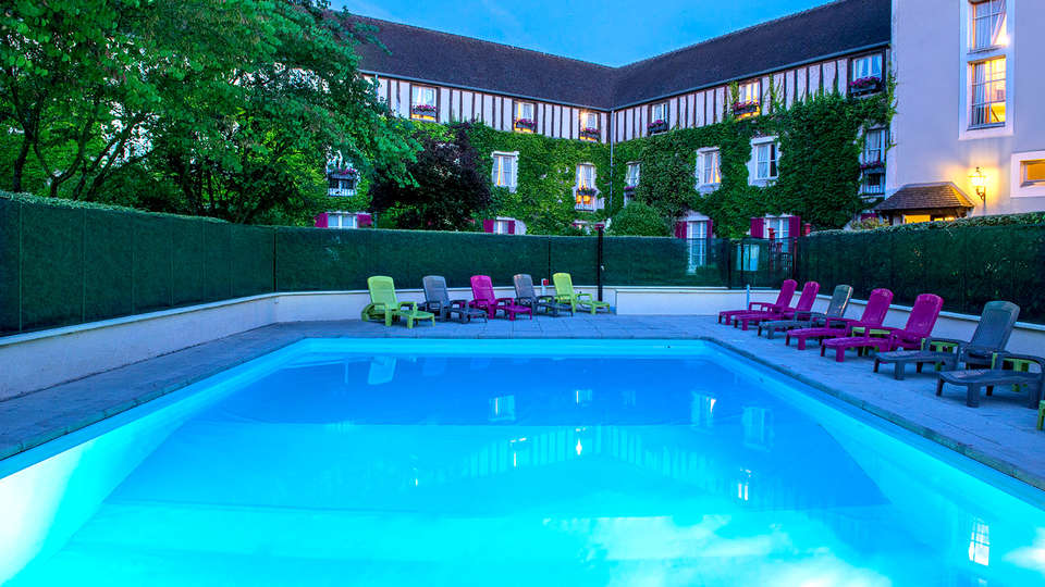 Manoir de Gressy  - EDIT_NEW_POOL.jpg