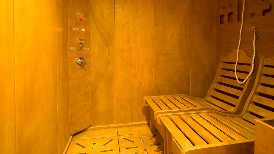Hotel Villa Ricci - Edit_Sauna.jpg
