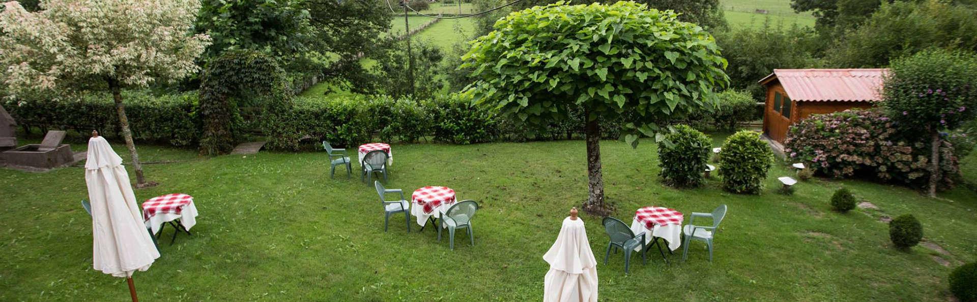 Hotel Irigoienea - EDIT_garden.jpg