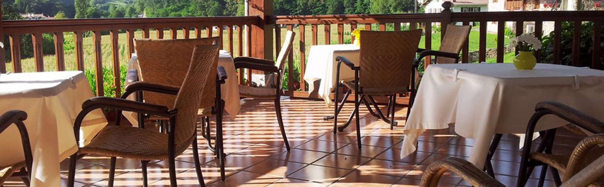 Hotel Irigoienea - EDIT_terrace.jpg