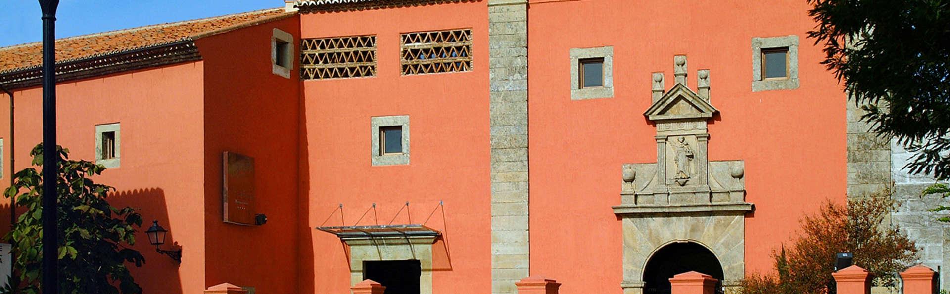 Hotel Izan Trujillo - EDIT_front2.jpg