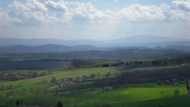 Vistas panorámicas de la verde Toscana en Chianciano Terme