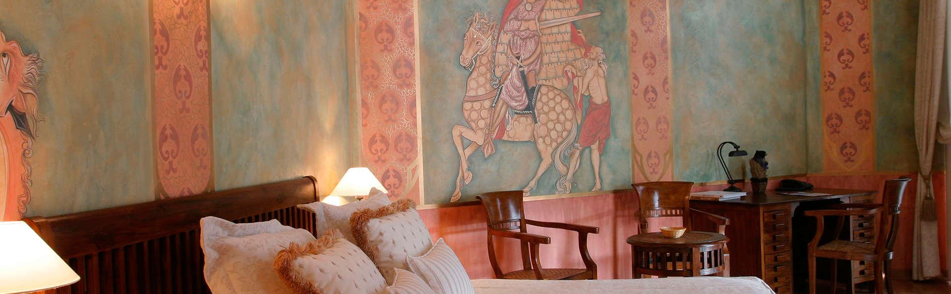 Hotel Jardín de la Abadía - EDIT_room2.jpg