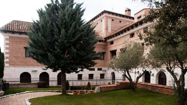 Escapada con encanto en una exclusiva abadía de Valladolid con botella de vino y desayuno incluido
