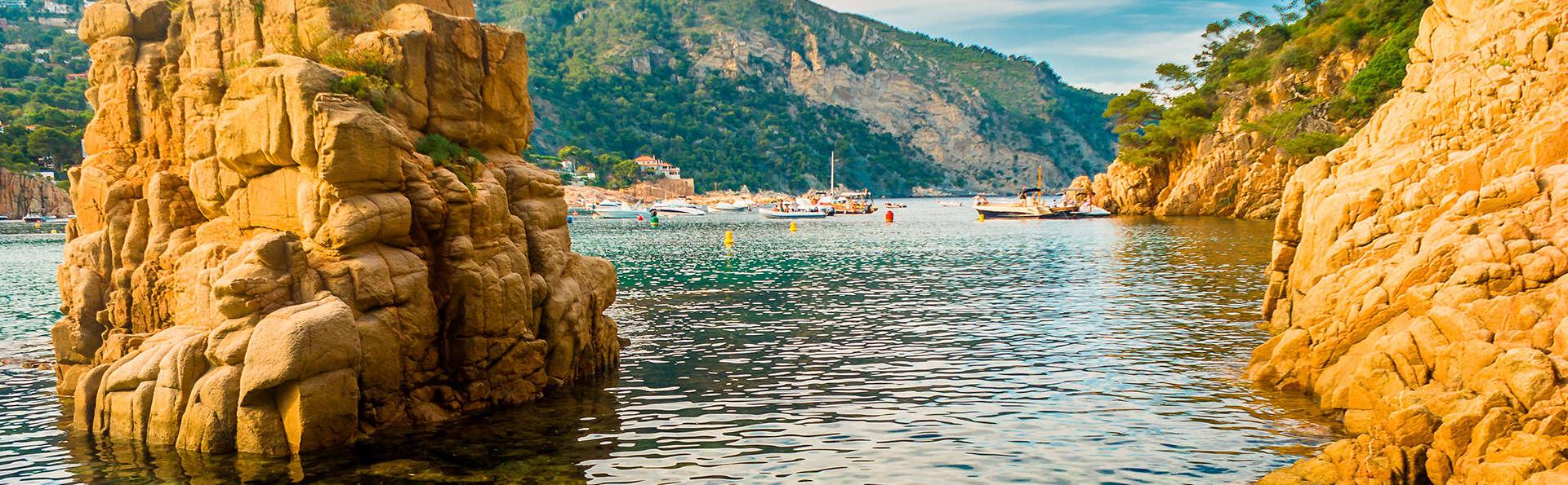 Venez découvrir la Costa Brava avec les petits-déjeuners et le stationnement inclus