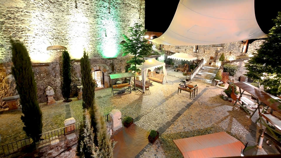 Castello di Limatola - Edit_Terrace.jpg