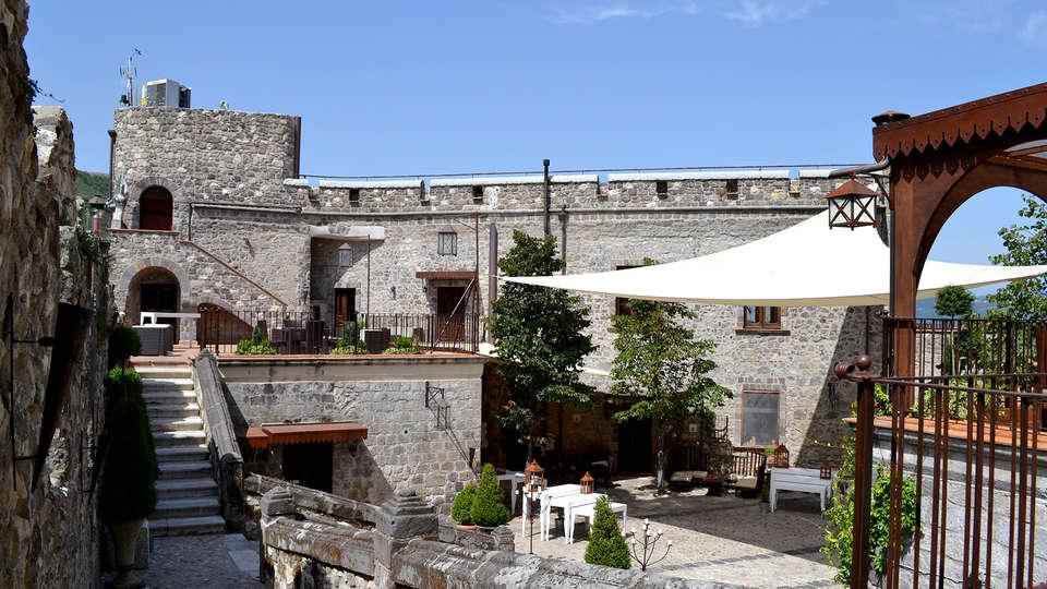 Castello di Limatola - Edit_terrace3.jpg