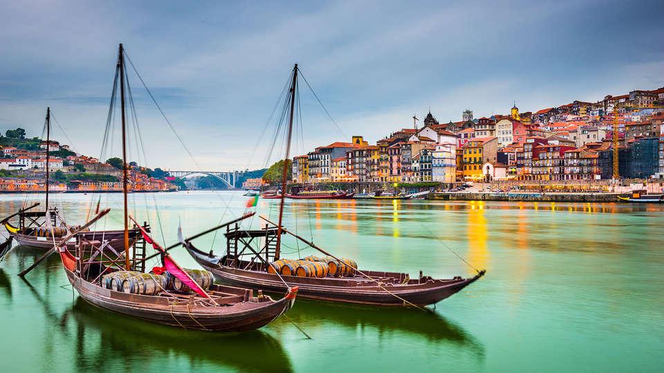 Legendary Porto Hotel - Edit_Porto3.jpg