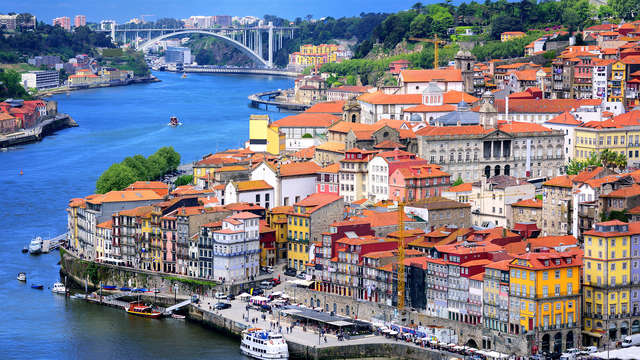 Escapada con copa de bienvenida en el corazón de Oporto