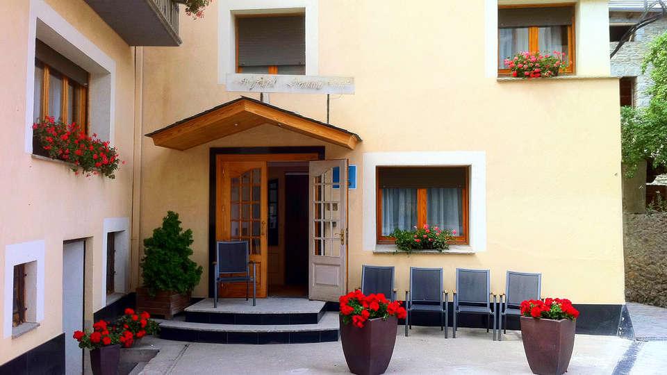 Hotel Jaume - EDIT_front.jpg