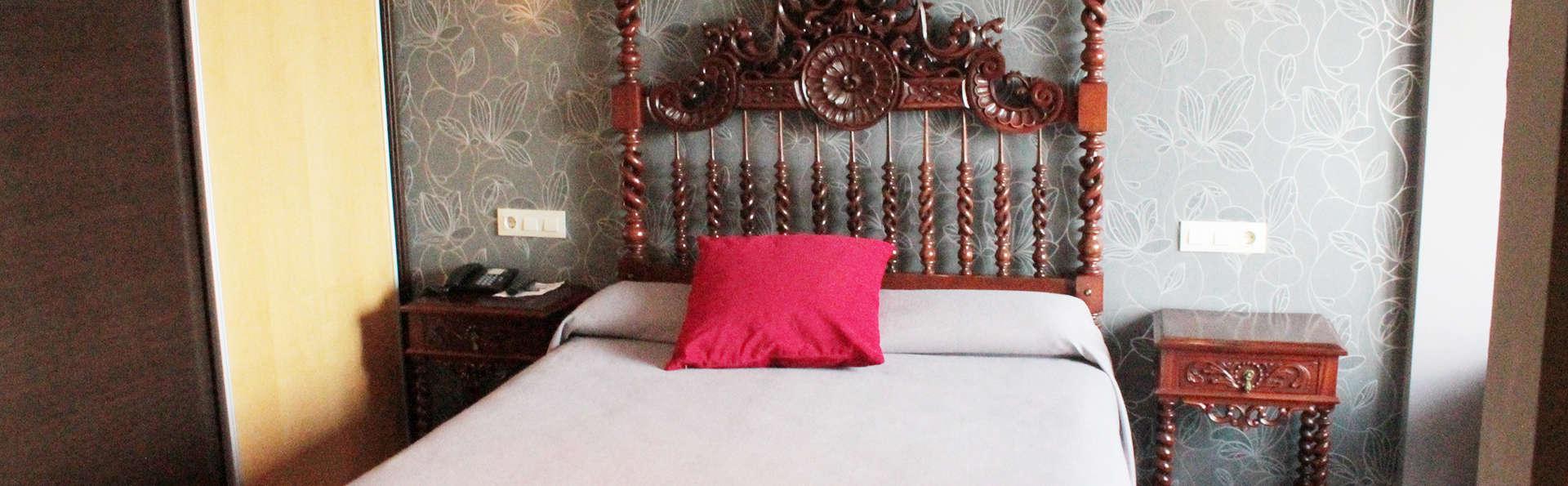 Hotel J-Enrimary - EDIT_room2.jpg