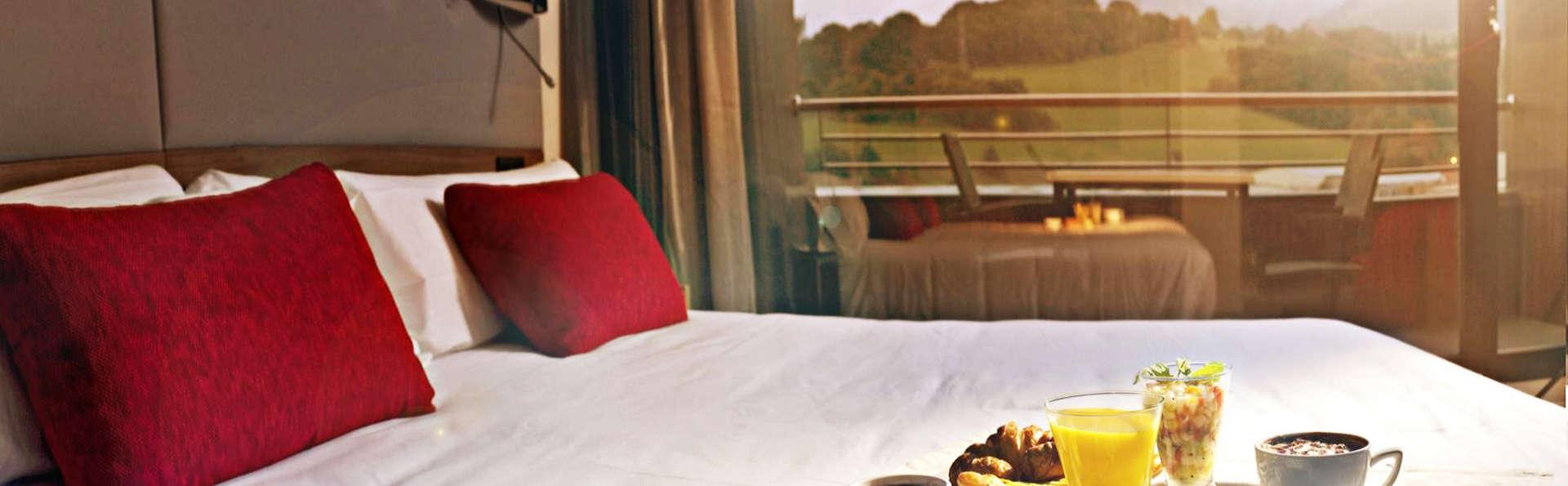 Hotel K10 - EDIT_room2.jpg