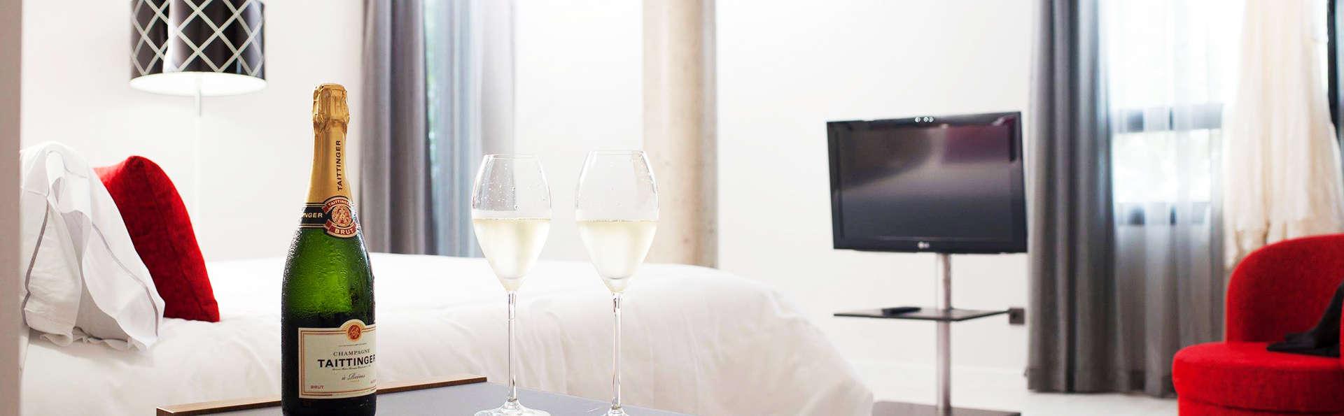 Hotel K10 - EDIT_room.jpg