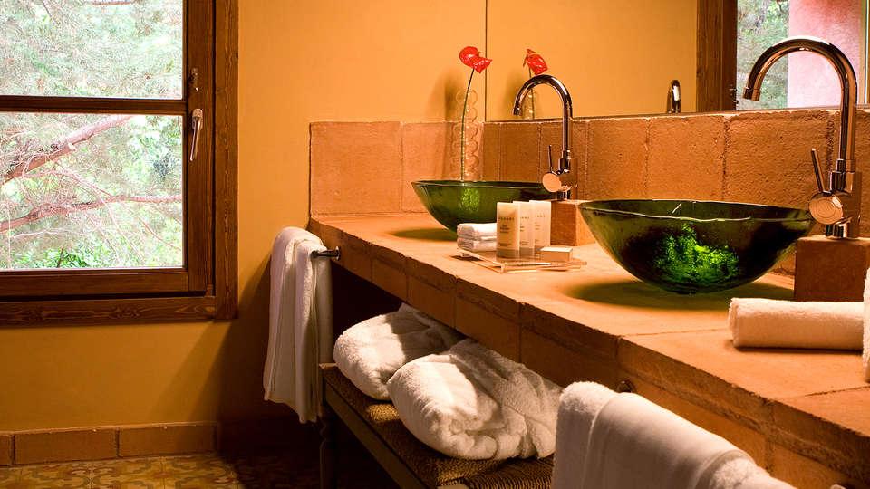 Hotel La Boella - EDIT_bath.jpg