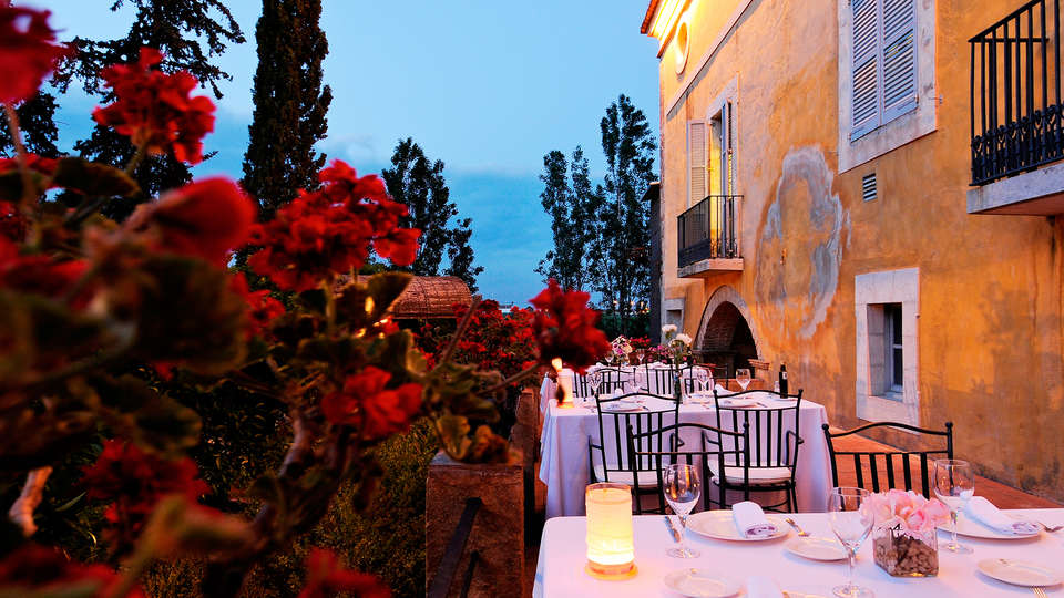 Hotel La Boella - EDIT_restauranterrace.jpg