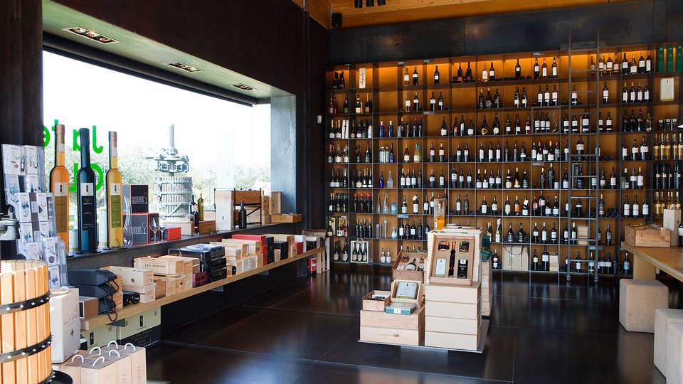 Hotel La Boella - EDIT_wine1.jpg