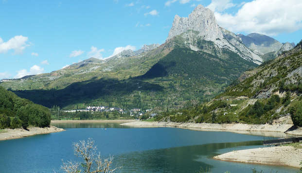 Week-end avec bouteille de cava et bain hydromassant à Huesca