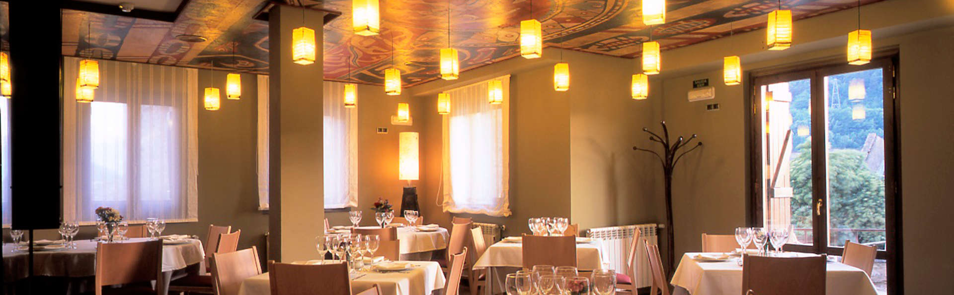 Hotel La Casueña - EDIT_restaurant.jpg
