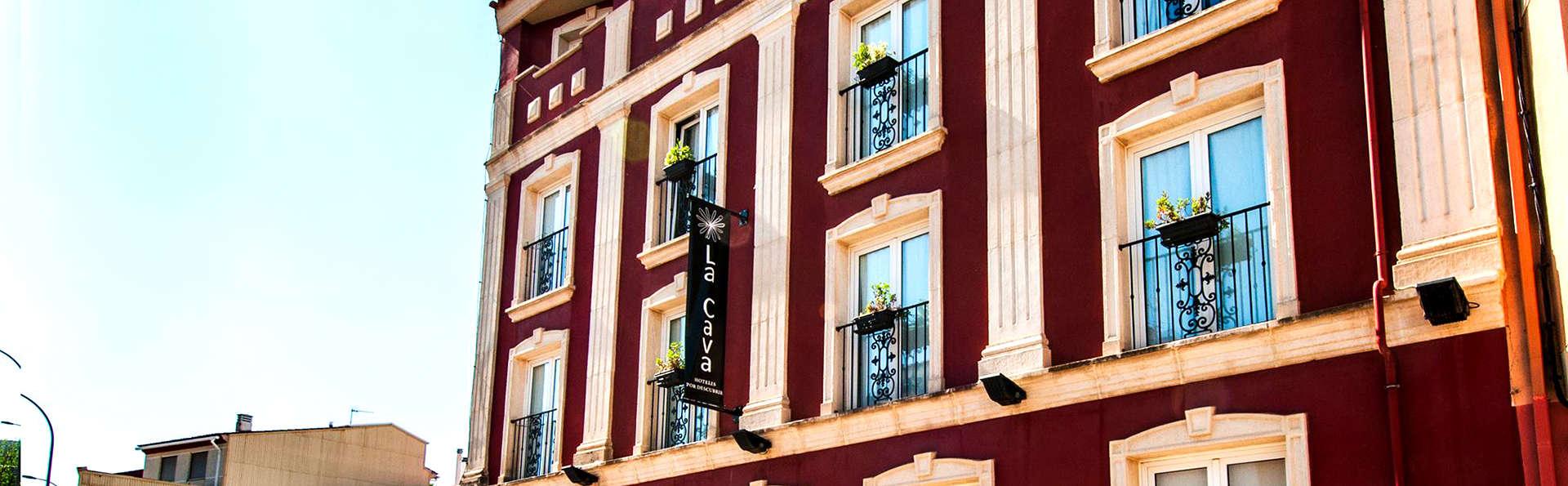 Hotel La Cava - Edit_Front.jpg