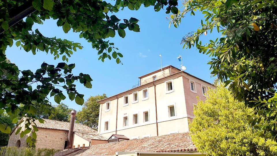 Villa Lattanzi - Edit_Front.jpg