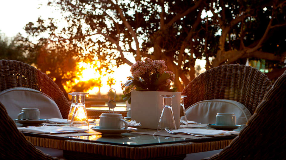 Hotel Las Arenas Balneario Resort - edit_terraza4.jpg