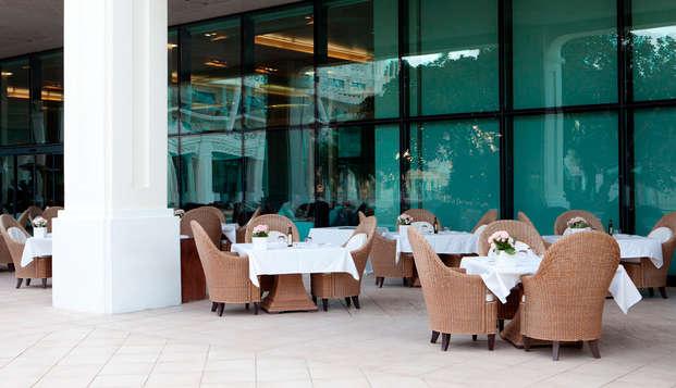 Hotel Las Arenas Balneario Resort - terraza restaurante