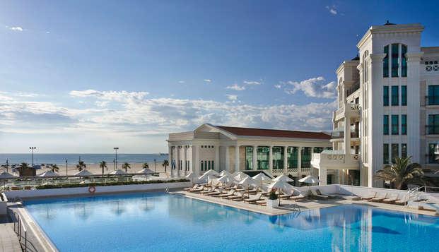Hotel Las Arenas Balneario Resort - piscina playa
