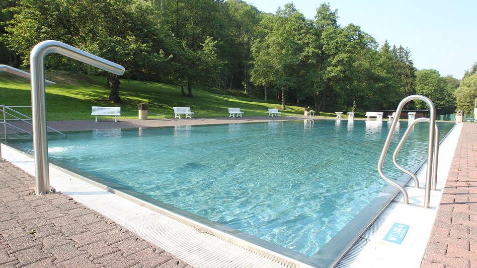 Alvisse Parc Hôtel - EDIT_NEW_pool1.jpg