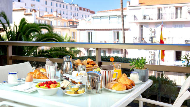 Hotel Barriere Le Gray d Albion Cannes - Breakfast