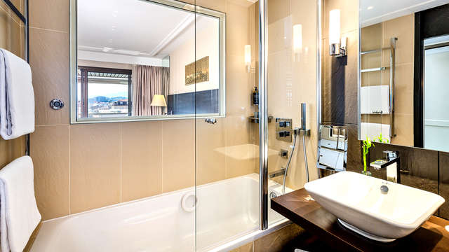 Hotel Barriere Le Gray d Albion Cannes - Bathroom