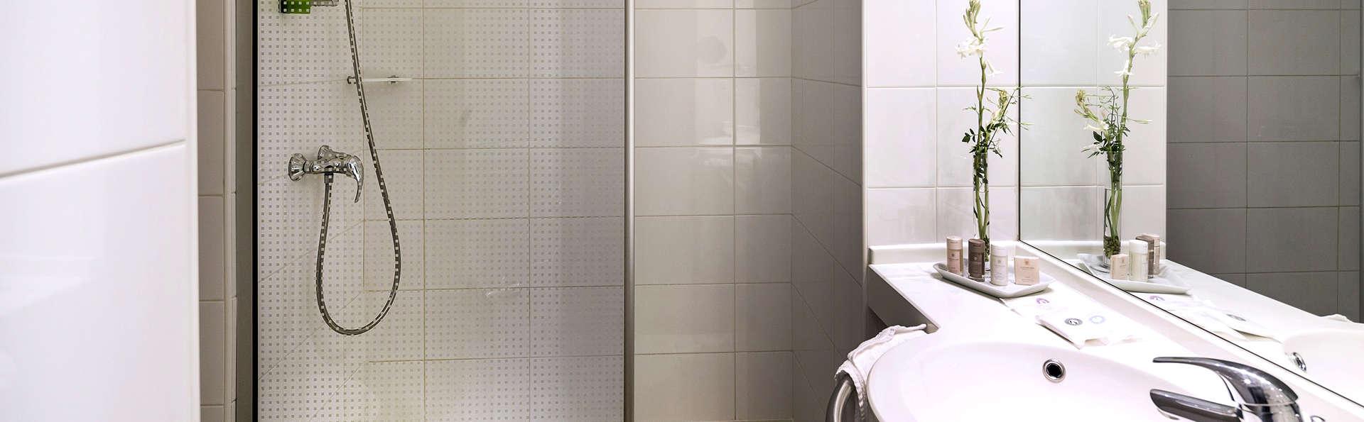 Best Western Plus Elixir Grasse  - Edit_Bathroom.jpg