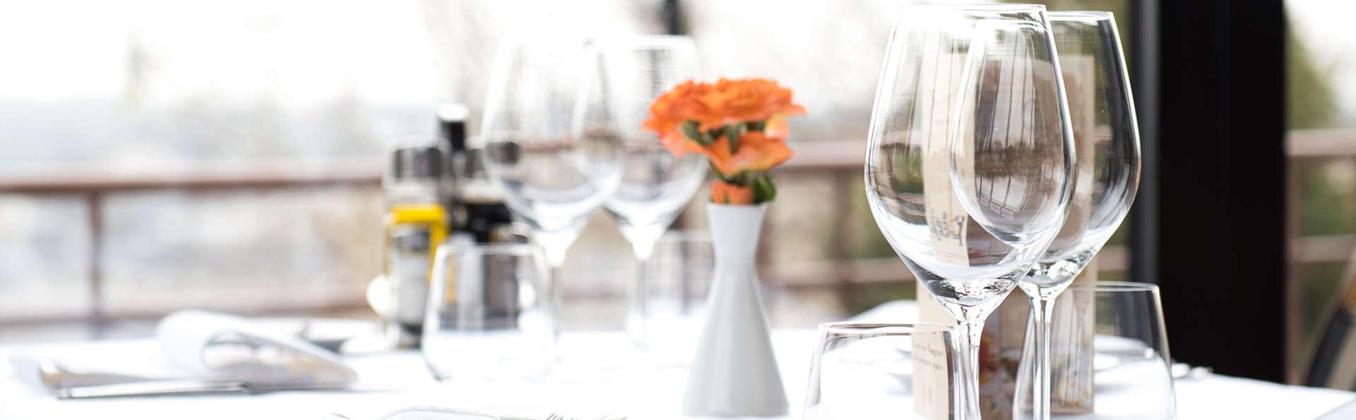 Escapada con Cena romántica y botella de cava en La Alpujarra
